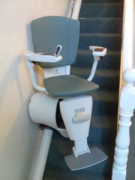 Flow Curved Stairlift from 1st Choice Stairlifts downward swivel